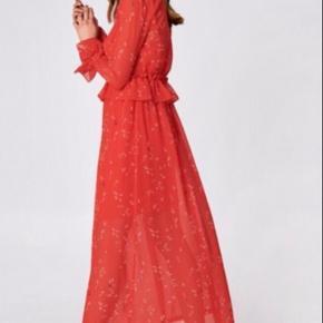 #trendsalesfund  Helt ny fin kjole af mærket minimum i str 36 sælger den da jeg ikke kan passe den så godt.