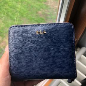 Ralph Lauren marine blå pung sælges. Dustbag medfølger