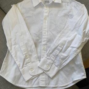 Super fin skjorte fra Armani Junior - brugt to gange