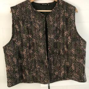 Black colour vest