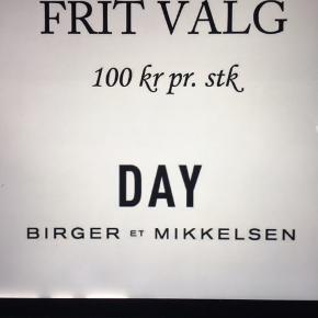 Day og 2nd day Frit valg 100kr plus Porto  KIG MINE ANNONCER☀️☀️☀️