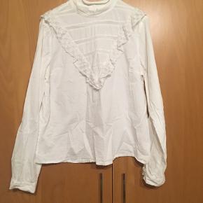 Sød hvid skjorte bluse med søde detaljer