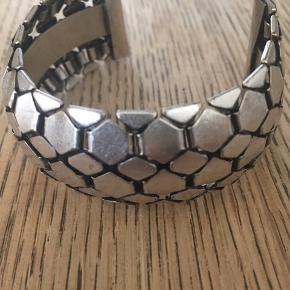Isabel Marant By H&M armbånd - har også æsken 😀