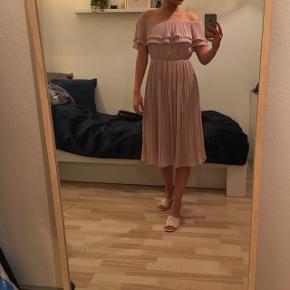 Fin kjole, str small Fitter også en xs