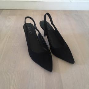 Fra NLY Shoes. Sling back. Hælhøjde 5,5 cm.