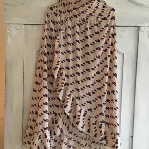 Lang, flot nederdel fra Darhling -100% polyesterNypris 499k  Mp 150kr