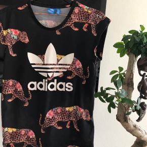 Flot Adidas T-shirt