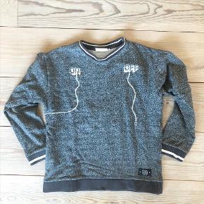 ON/OFF sweatshirt fra MOLO str. 164. Brugt, men i fin stand.  - Sender gerne ved samlet køb for min. 100 kr. 🤗
