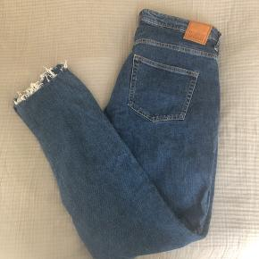 Jeans fra Weekday. Modellen hedder Way. W 32 L 32 🌸  #30dayssellout