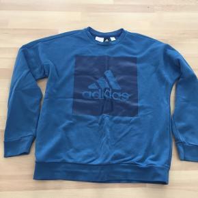 Adidas sweatshirt brugt to gange.