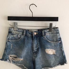 Seje jeans shorts fra Zara. str. 38.