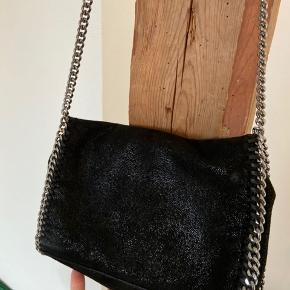 Modellen Falabella Mini Bag.  Skriv for flere billeder, byd