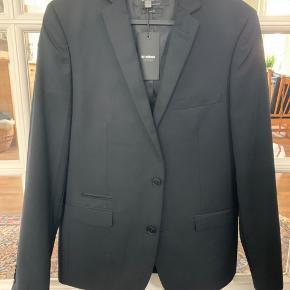 Minimum Zain jakke.  Str.50   Ny, med prisskilt