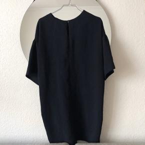 ZARA kjole med fin binde detalje   størrelse: S   pris: 150 kr   fragt: 37 kr