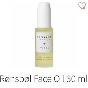 Helt ny Rønsbøl face oil. Ægte og købt i dansk butik. NP 299 kr. NU 125 kr. Sender gerne på købers regning.