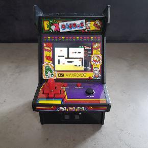 My arcade spillemaskine. Den er i pæn stand, og virker. Den er fra røg og dyre fri hjem. Helst gerne kontant, da det er til min søns sparegris. Den kan afhentes i 6700, eller sendes hvis porto bliver betalt.