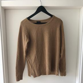 Sød camel sweater fra Vila