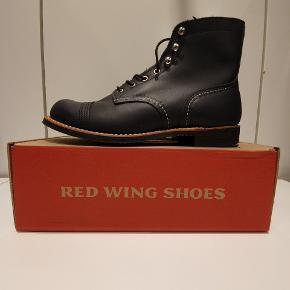 Red Wing 8084 us11 euro 44  Ikonisk støvle fra Amerikanske Red Wing, håndlavede støvler i høj kvalitet.  Prisen er fast