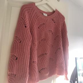 Lyserød trøje fra vila, true to size  ❌sælges da jeg skal flytter❌