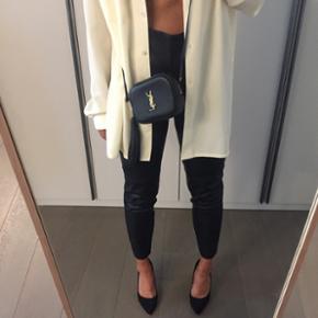 Zara: leggings en faux cuir, mis une fois