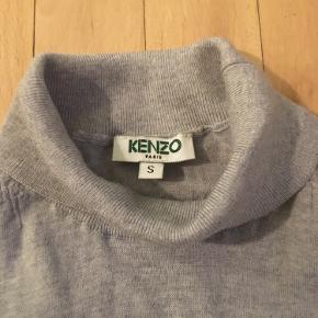 Sweater fra Kenzo  Str: S  Materiale: cachemire  Bytte ikke!  Sender med Dao 37 kr Afhente på Amager .