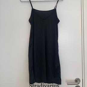 Stradivarius kjole