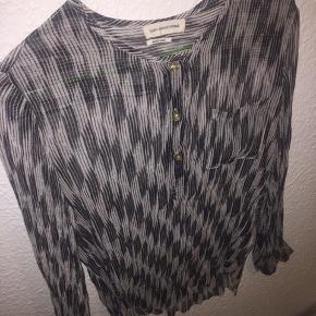 Brugt få gange, som ny :) dejlig og smuk skjorte fra Isabel Marant.