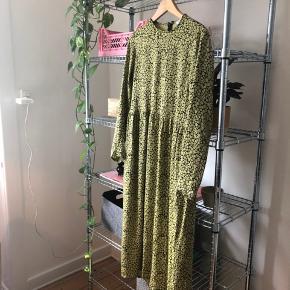 Super smuk kjole fra Samsøe Samsøe. Mp er 500kr
