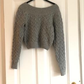 Lækker sweater fra & other stories. Fejler intet. Brugt en gang. Ingen fnuller.  Nypris: 700,-