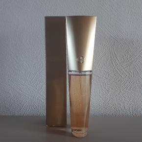Giordani gold eau de parfum 50 ml.  Hentes i Roskilde eller sender med DAO mod betaling af fragt.