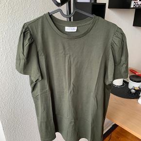 Pure Friday t-shirt