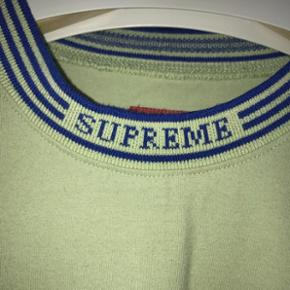 ✅Disponible✅T-shirt manche longue SUPREME Color: vert  Size: Medium  Cond: 9/10 Prix: 150frs/125€ négociable - - - - - #yeezyforsale #supremeforsale #palaceforsale #bapeforsale #forsale #adidasforsale #nikeforsale #hype #sneakers #supreme #bape #palace #resell #resellswitzerland #calabasas #Guess #Asap #supcommunity #forsalesupreme #supremenyc #streetwear #suisse #switzerland #sell #buy #shop #offwhite #Gucci #Gucciforsale