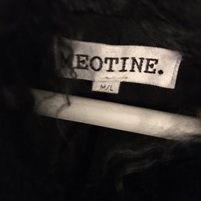 Sælger min gude smukke meotine pels i str M/L. Den er i 100 % tibetansk pels
