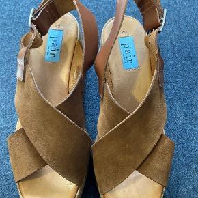 Apair sandaler