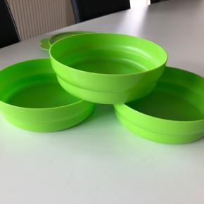 Helt nye Tupperware spisetallerken/opbevaringsboks. 6 dl i hver. Samlet pris 200kr