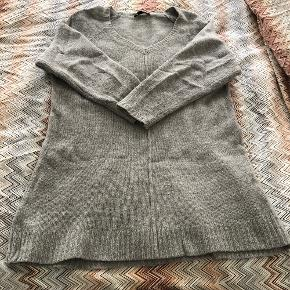All knits for 295 kr All in very good condition.