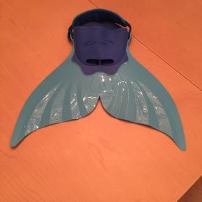 Finis havfrue hale sælges str fra 10 år pris 149 kr Svømmefødder blå str 38-40 - 49 kr