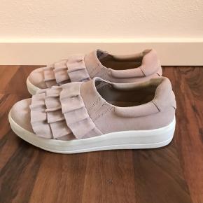 Jeg sælger mine konfirmations sko, da de kun er brugt to gange.