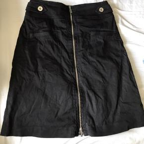 Fin nederdel fra Karen Millen. God stand