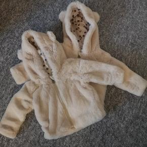 Søde varme fleece trøjer med øre. De har aldrig været brugt 🌸 Str. 74/80 55,- pr stk