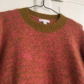 Brugt enkelte gange, flot rødbrun farve. Størrelse 10 UK