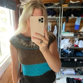 Hjemmestrikket islandsk sweater