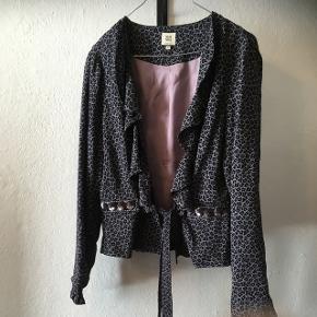 Smuk jakke fra Noa Noa i str. M.  75kr- eller byd 😊 Aarhus