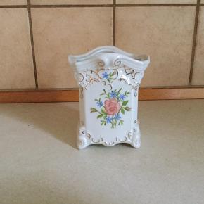 Vase / potte  - 12 cm høj