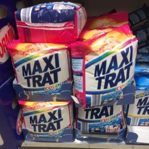 Vaskepulver til farvet tøj. Brukt én gang