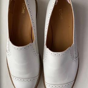 KIOMI sandaler