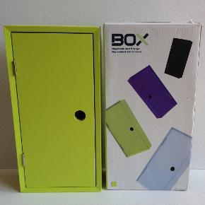 Nyt Box nøgleskab Limegrønt 15x30 cm med 9 kroge  Pris: 65,- plus porto  Fast pris  Sender med DAO