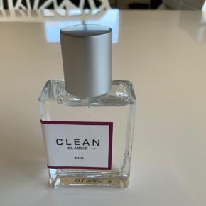 Helt ny 30 ml Skin fra Clean. Sender gerne på købers regning....
