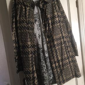 Malene Birger regn/ sommer jakke 100 % nylon