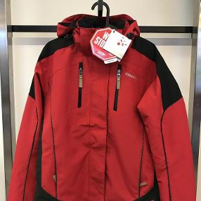 a99c0fc02a8 Varetype: skijakke Størrelse: M Farve: Rød Oprindelig købspris: 2600 kr.  Prisen